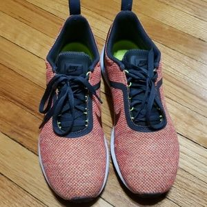 Nike Lunarestoa Running Shoe